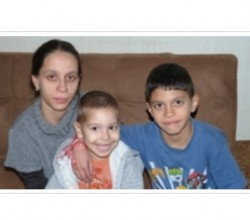 """Апел за подкрепа на Венцислава и двете й деца в кампанията """"Виждам те"""""""