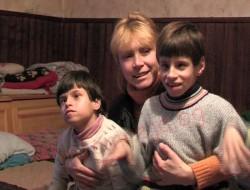Зов за помощ! Болни близначета живеят в недоимък в село Раждавица