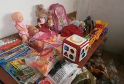 2200 играчки, книги и учебници са дарени чрез