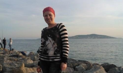 Да помогнем на 30- годишната Цветелина Пейчинова да се пребори с рака