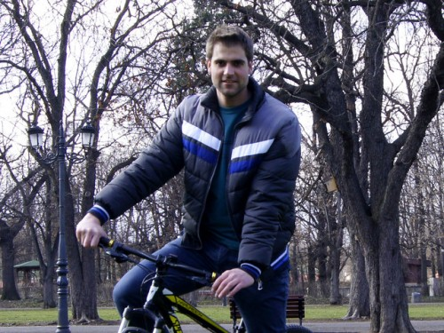 Двама младежи се впускат в SOS Балкански велосипеден тур 2014