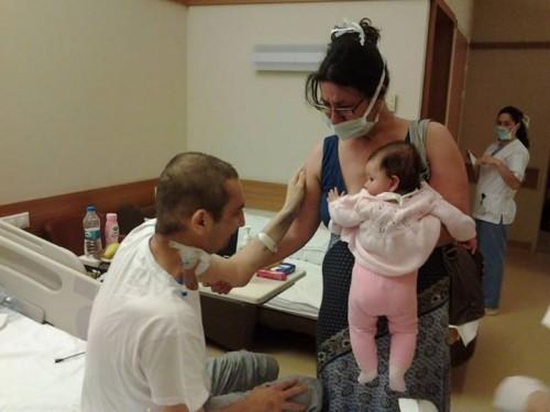 Среща на тежко болния Васко с бебето Никол разплака лекари и сестри
