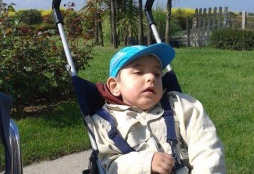 Да помогнем на 3-годишния Любомир за лечение в Турция