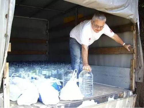 Общината апелира временно да спрат даренията на вода, дрехи, храни и предмети за бита