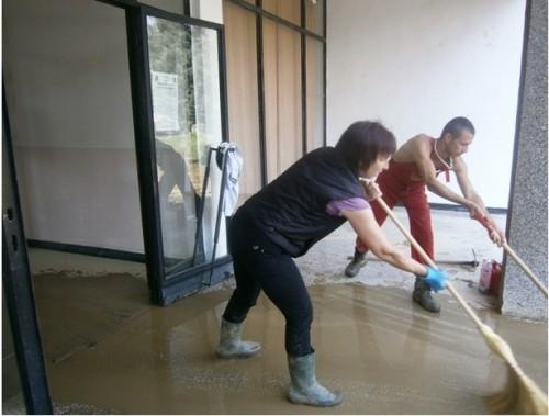 Доброволци се организират в социалната мрежа в помощ на пострадалите села