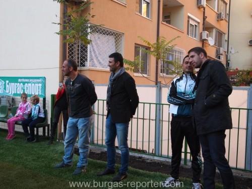 Футболни звезди от Бургас ще играят в благотворителен мач за Таня