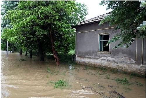 БЧК призова за спешно подпомагане на пострадалите от последните наводнения