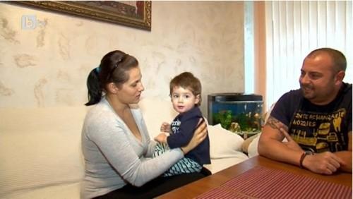 Млада майка се бори с тежка форма на рак