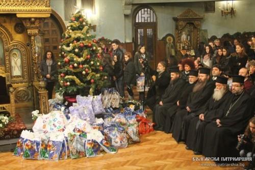 Благотворително Рождественско тържество в храм Св. Параскева