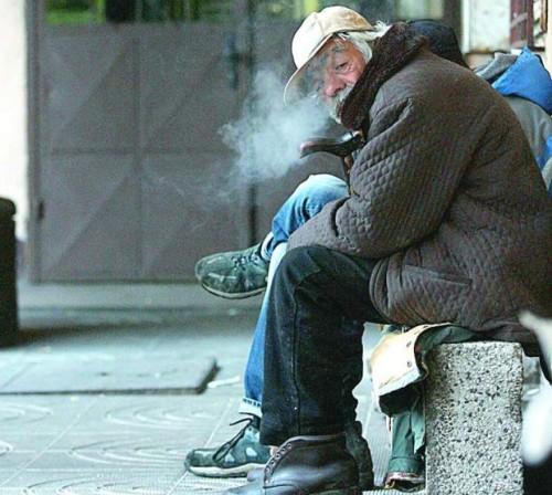 Сигнализирайте на тел. 112 за бездомни