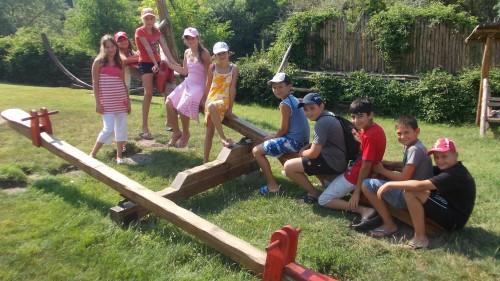Пролетен лагер за момчета и момичета в приемна грижа и родни деца на приемни родители