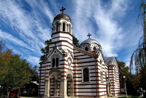 Добричкият храм Св. Троица набира деца за църковен хор