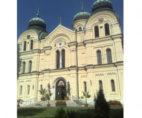 Катедралният храм във Видин Св. Димитър се руши