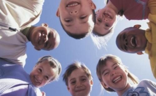 Део, Лео и 100 кила ще пеят благотворително за деца