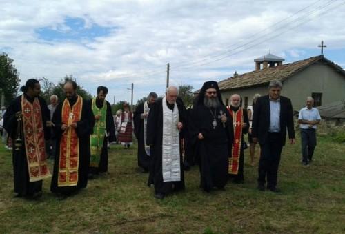 """Да помогнем за построяването на храм """"Св. вмчк Димитър"""" в с. Вехтово, Шуменско"""