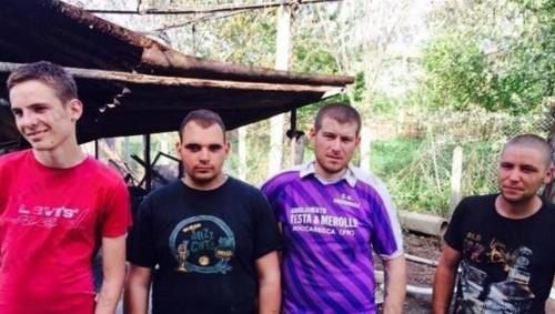 4-ма младежи се хвърлиха в огъня, спасиха възрастен мъж