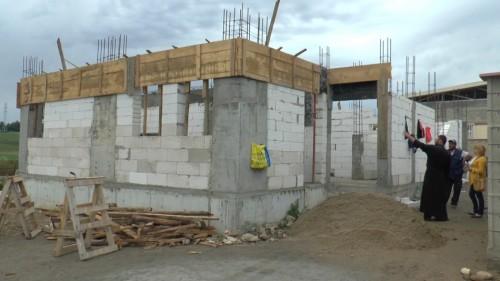 Да помогнем за изграждането на приют към Духовен център