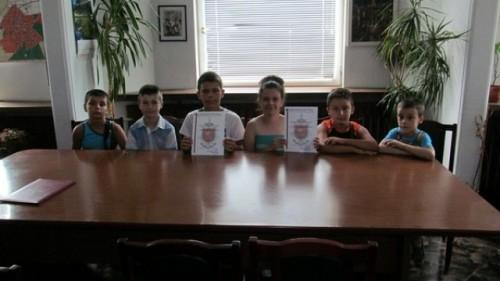 Деца от Търговище върнаха плик с 500 лева