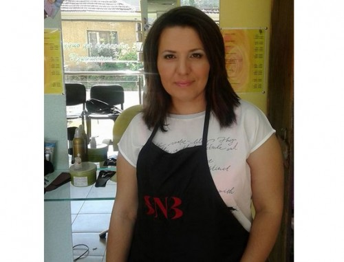 Фризьорка от Плевен работи в помощ на онкоболни жени