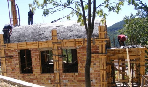 Затруднения при довършването на храма в село Загражден