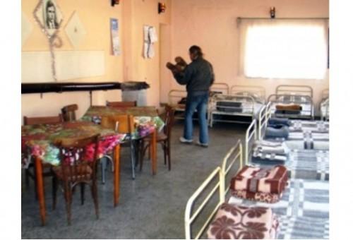 Благотворителна кампания плете топлина за бездомни хора