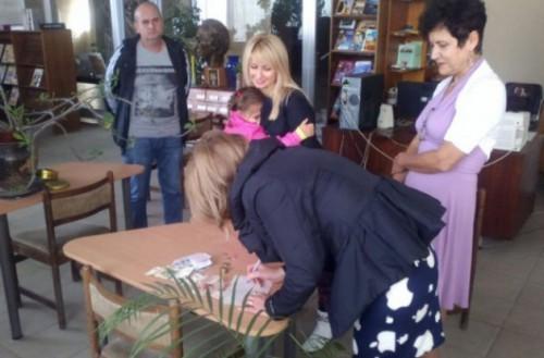 Благотворителен базар събра близо 130 лева за лечението на Мишо