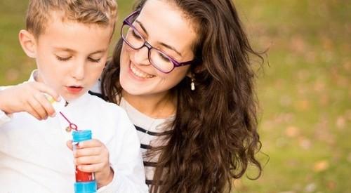 Отиди на гости на деца от дом през ноември и стани ментор на едно от тях