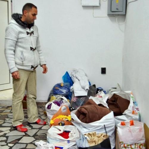 Търновци дариха топли дрехи на защитеното жилище в Пчелище