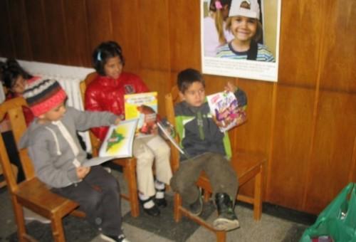 Хранителни пакети за деца в риск