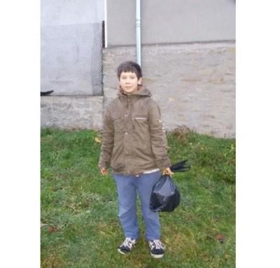 12-годишно дете, откъснато от света