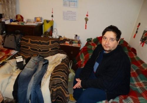 Разтърсващата история на сирак-инвалид, тънещ в мизерия в Пловдив