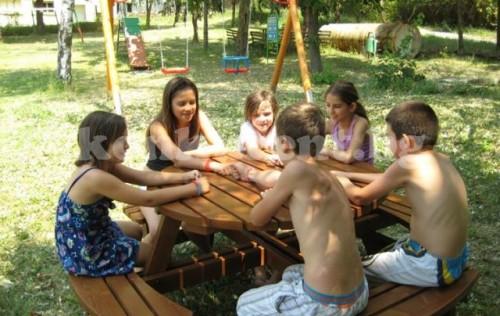 Австралиец дари хиляди за възраждането на Буковец