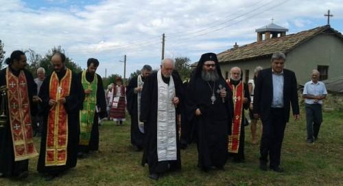 Търси се помощ за строежа на новия храм във Вехтово