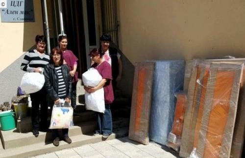 Нови детски легла и спални комплекти за детската градина в Славянци