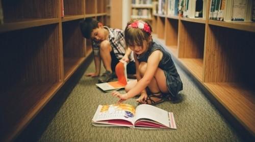 Подари детски книги на училищната библиотека в с. Долни Пасарел
