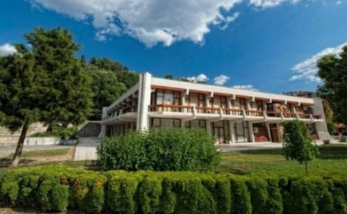 Благотворителна изложба разкрива Духовността на България