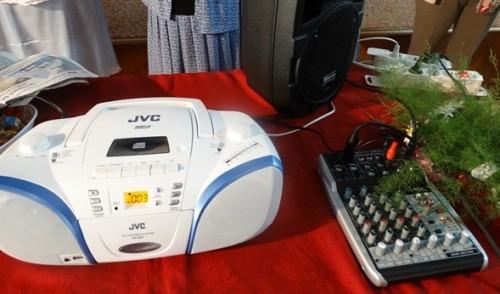 Силистренка от Италия подари аудиотехника на възрастните хора от Дома
