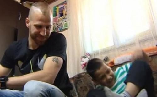 Защитник от ЦСКА помогна на 9-членно семейство