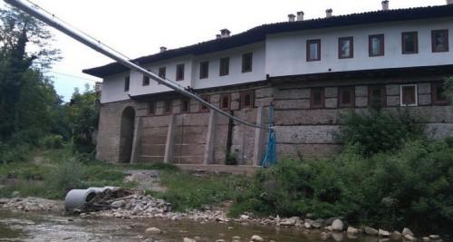 Прочут манастир край Велико Търново търси средства за нов мост