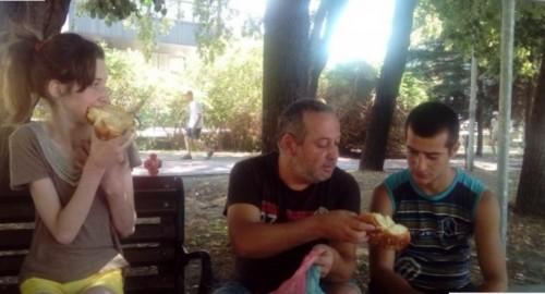 Болен баща от Варна остана на улицата с двете си деца, нуждае се спешно от инсулин