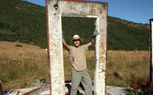 Доброволци се включват в ежегодното почистване на националните паркове