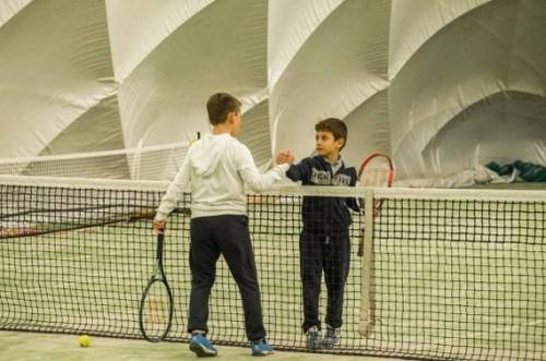 70 деца ще тренират тенис безплатно