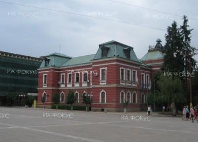 Възпитаници на театралната академия ще играят благотворително в Кюстендил