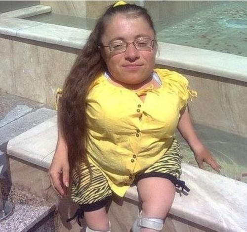 Деси има нужда от специална инвалидна количка