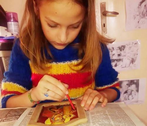 10-годишната Валерия от Добрич твори икони, за да помогне на болна връстница