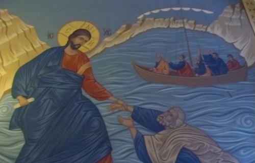 Пътуващ свещеник спомага за издръжката на болно дете