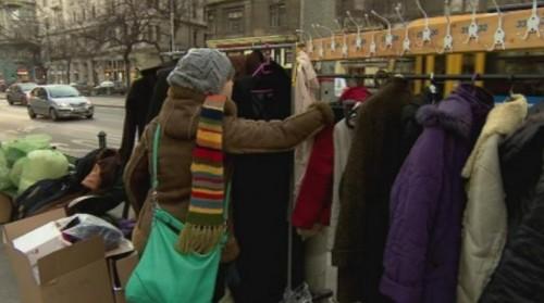 В Унгария раздават топли дрехи на хора в нужда