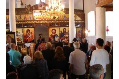 Настоятелството на храм Св. Георги в с. Белила търси помощ за оградата
