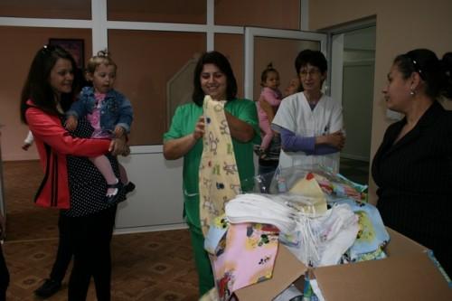 Майки отново с дарение за отделението по акушерство в Севлиево