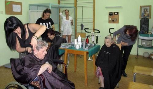 Благотворителна кампания За достоен живот се проведе в дом за възрастни хора в Пловдив